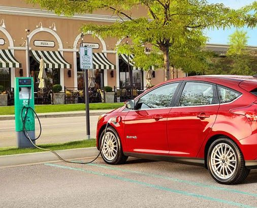 Gm S Decision To Boost The Chevy Bolt S Range Enough To Get A 238 Mile Epa Rating May Have Come As Quite A Surprise Voiture Electrique Auto Electrique Voiture