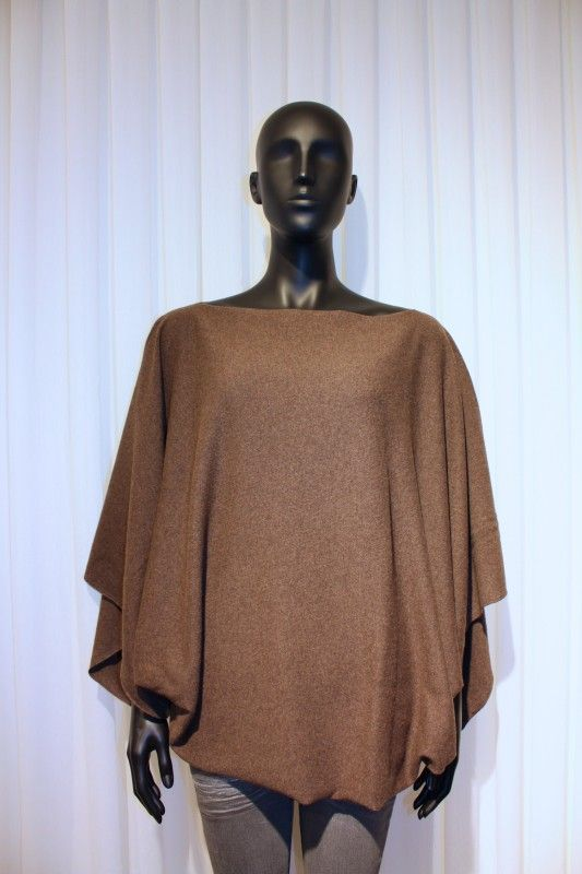 Poncho Cashmere/merino one size fits all in brown colour