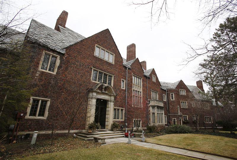 Bidders Have Chance To Grab Keys To Historic Local Mansion Historic Mansion Mansions English Estates