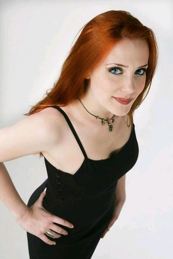 simone simons ladies sexy - photo #20