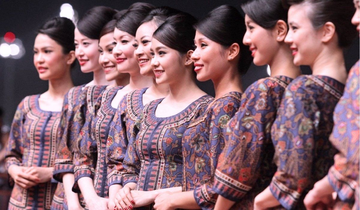 most beautiful flight attendants - singapore airlines