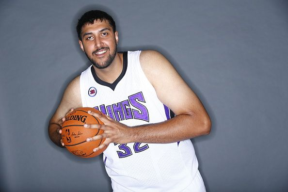 Sim Bhullar Was Waived By The Sacramento Kings Last Sunday Making The Wait To See An Indian Origin Player In Th Sim Bhullar Sacramento Kings How To Run Faster