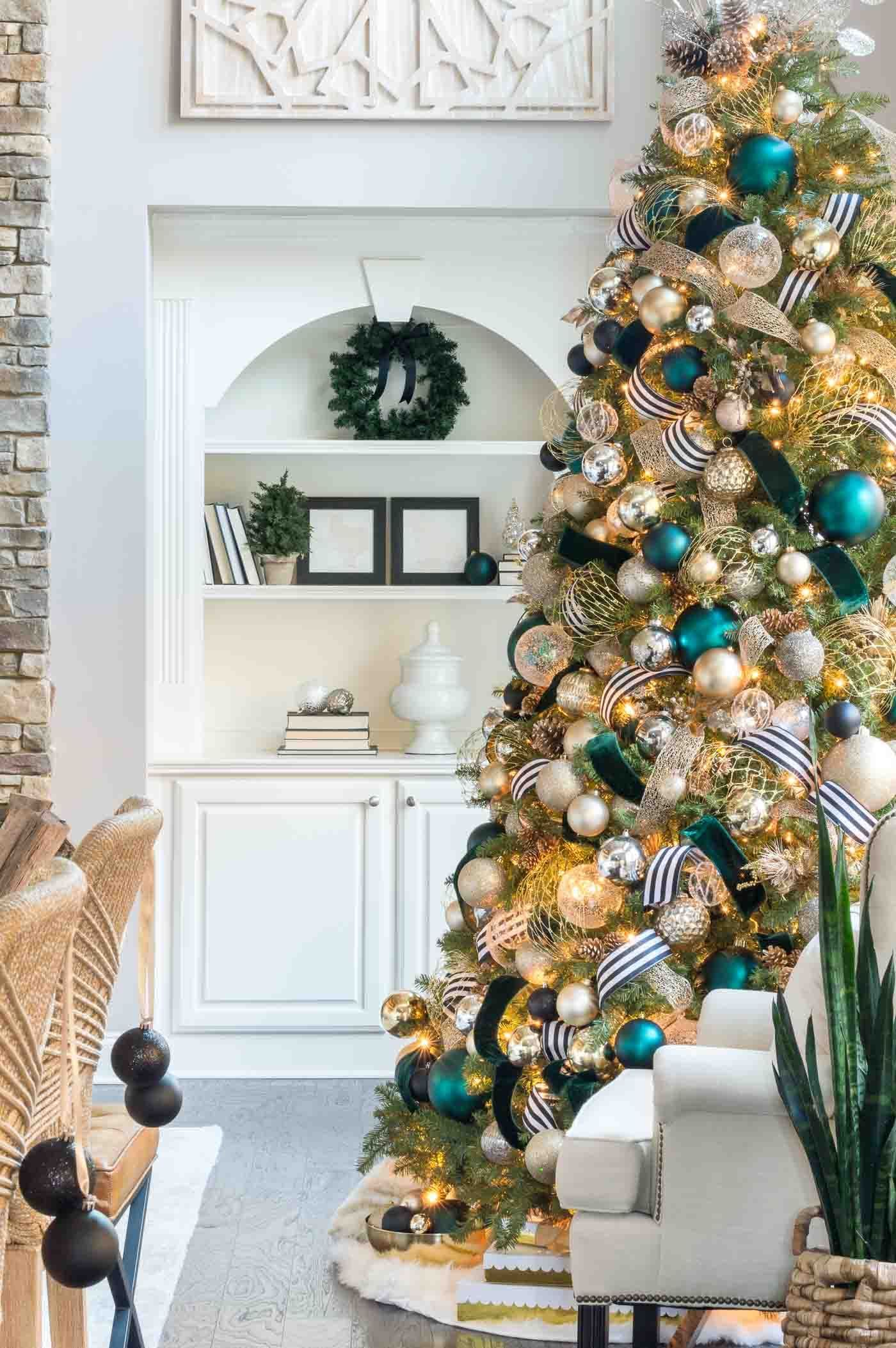 Christmas Home Tour Holiday Decorations And Unique Color Schemes In 2020 Christmas Tree Decorating Themes Black Christmas Decorations Elegant Christmas Trees