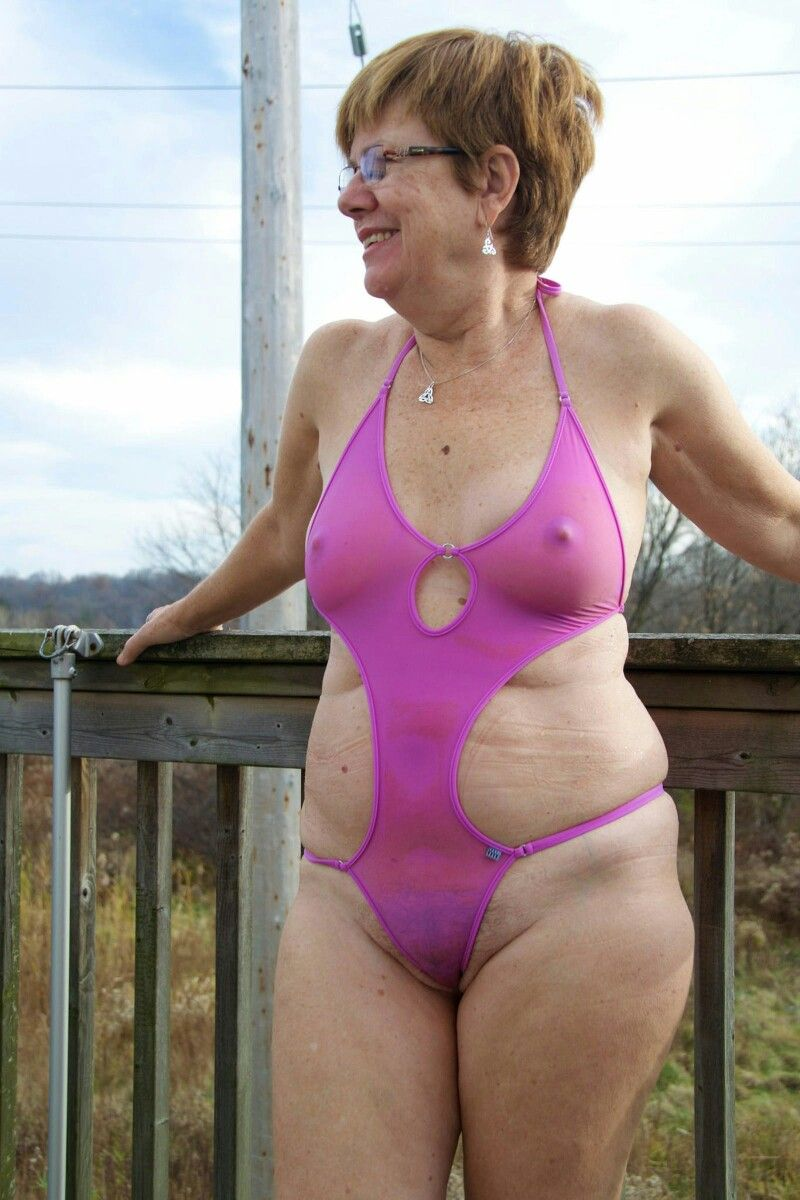 mature suit Amateur bathing