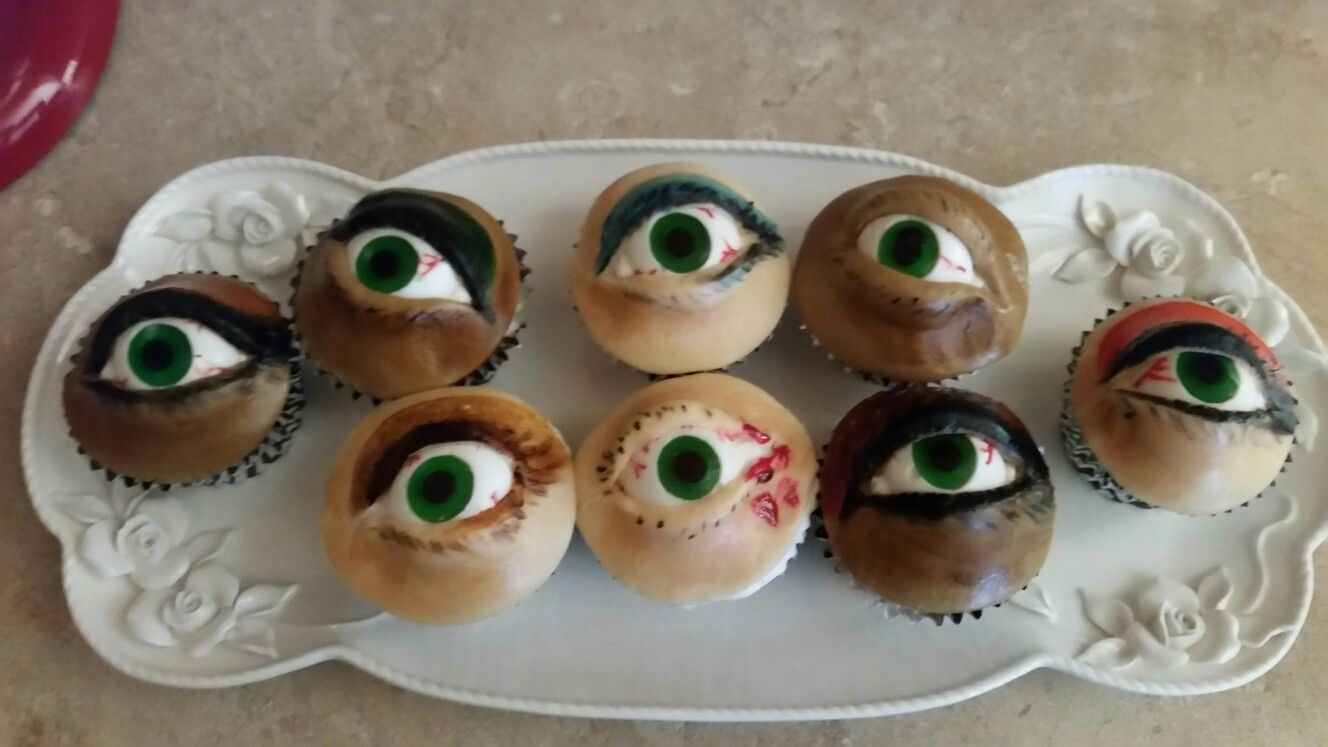 Eyeball cupcakes, eye, halloween party, halloween treats, october ...