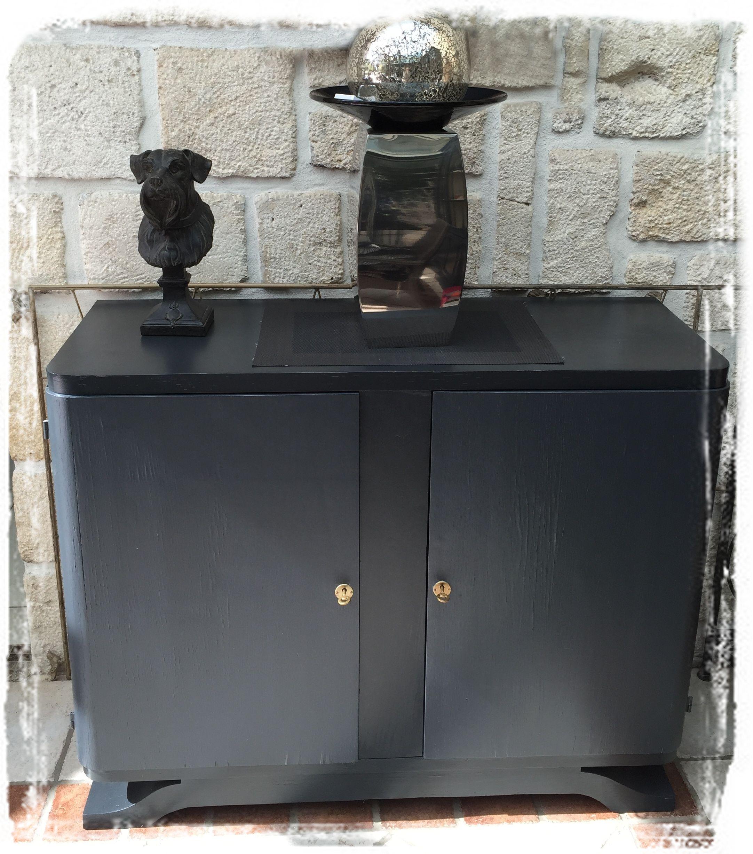 Shabby Chic Seconde Vie Pour Ce Meuble Bas Art Deco Repeint En Gris Anthracite Meuble Bas Decoration Interieure Art Deco