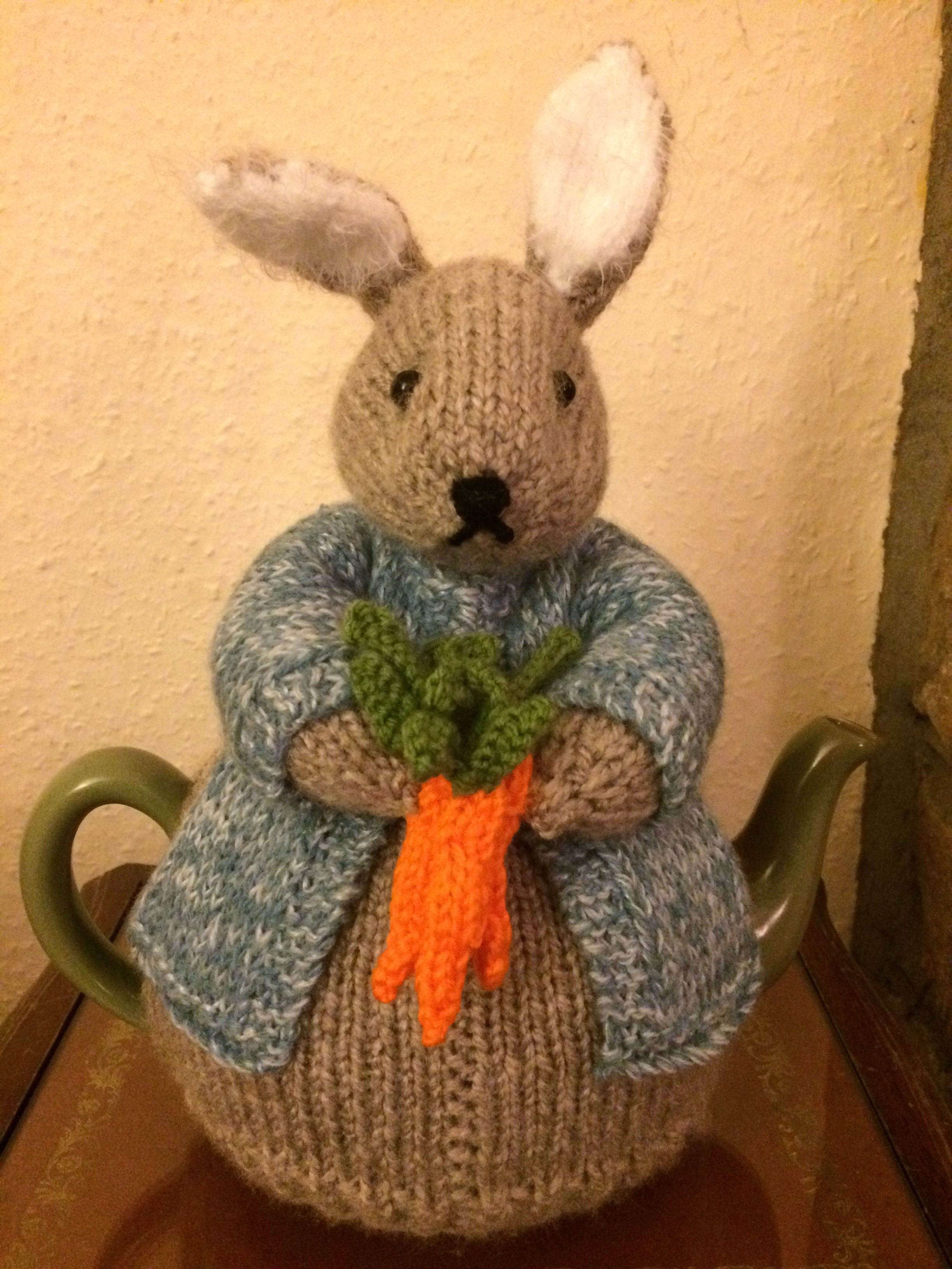 Peter Bunny Rabbit Tea Cosy   Tea cosies   Pinterest   Teteras ...