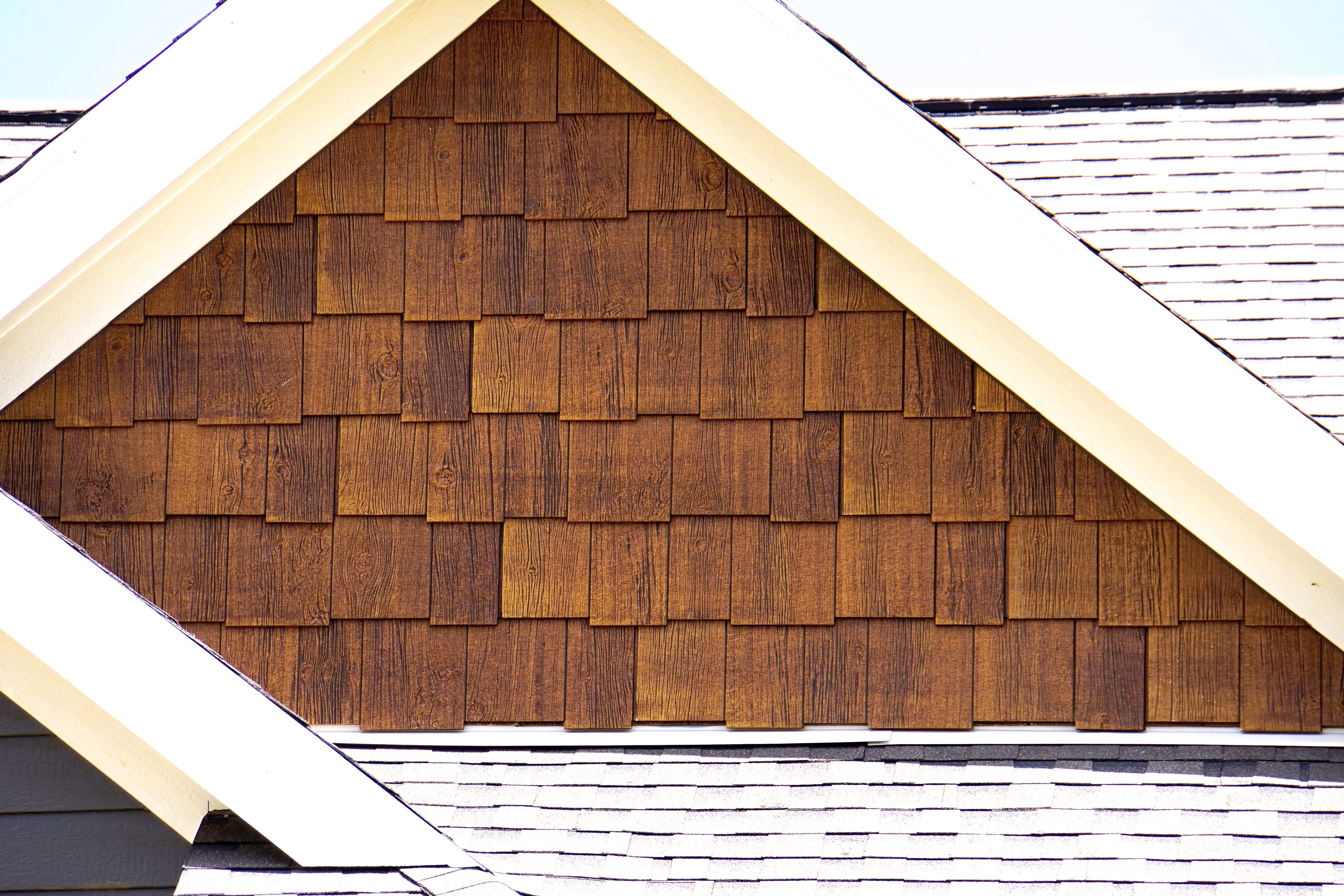Rusticseries Old Cherry On Lp Smartshakes Cottage House Exterior Vinyl Cedar Shake Siding Gray House Exterior
