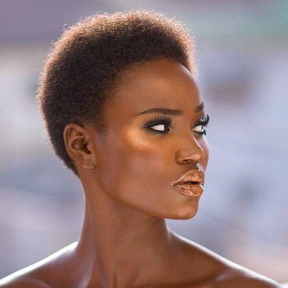 Funke Williams photography and makeup by @bimpeonakoya #model #clearskin #eatclean #mua #makeup #healthy #melanin #teamnatural #4chair #caribbean #beautyeditorial #beautiful #veganbeauty #curlygirls #africa #afro #afrohair