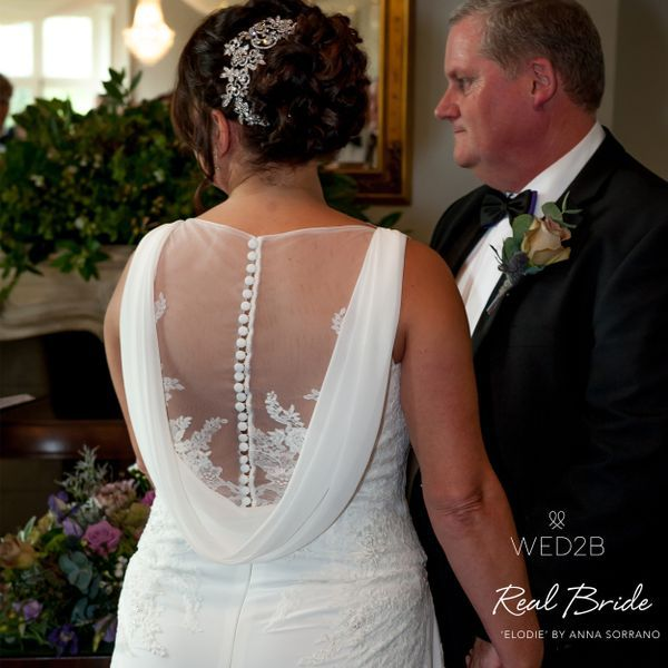 Real Brides Wed2b: A Beautiful Real Bride Looks Absolutely Stunning In