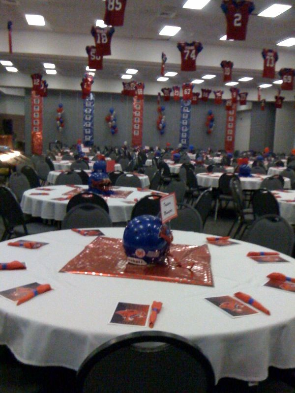 sports banquet decorations the new cougar head looks great! asports banquet decorations the new cougar head looks great! a perfect \u0027walk through\u0027 when