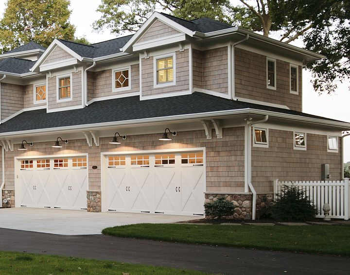 4 Stall Garage With Mother In Law Suite Built Above Custom Home By Martin Bros Contracting Inc Dream House Plans In Law Suite Home