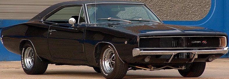 la voiture noire est une dodge charger r t 1968 c 39 est une voiture de film de bullitt 1968 et. Black Bedroom Furniture Sets. Home Design Ideas