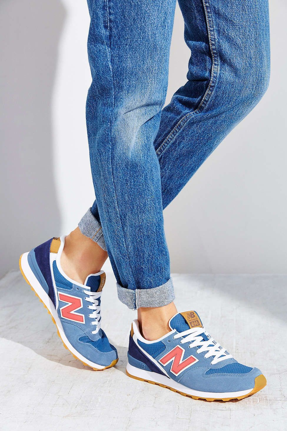 brand new ce43c ab862 New Balance 696 Sneaker - Urban Outfitters