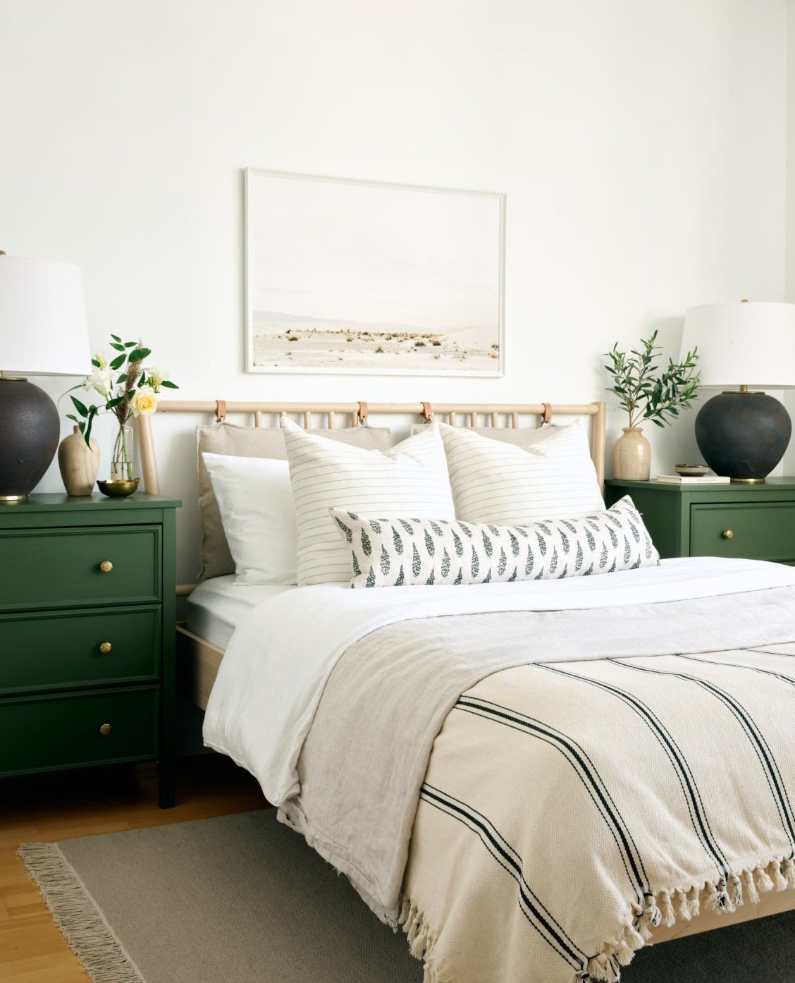 """Southern Home Decor This cozy, formerly """"plain"""" condo"""
