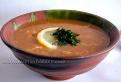 Au Maroc la &harira& c'est LA soupe incontournable pendant le mois du ramadan, son parfum annonce l'approche du moment du &ftour& (rupture du jeun), elle représente un élément (presque) indispensable sur les tables ramadanesques.. Notre recette familiale:...