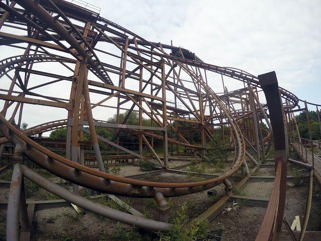 Exploring the creepy abandoned Theme Park: Camelot! | abandoned