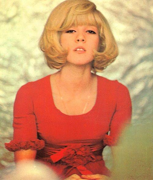 0f590ad8486e French Chic, Vintage Frisyrer, Bobbade Frisyrer, Bröllopsfrisyrer,  Makeupinstruktioner, 1960-talet
