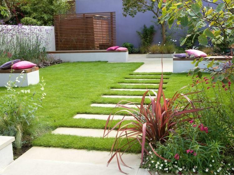 Moderne Gestaltung Fur Den Gartenweg Aus Steinplatten Garten Gestalten Garten Gartengestaltung