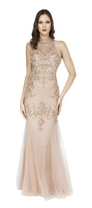 cc6f36a78 Vestido longo de tule bordado com gola. A modelagem sereia valoriza a  silhueta feminina para