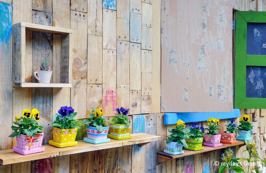 Kleine Ostergeschenke - Last Minute selbstbemalte Blumentöpfe.