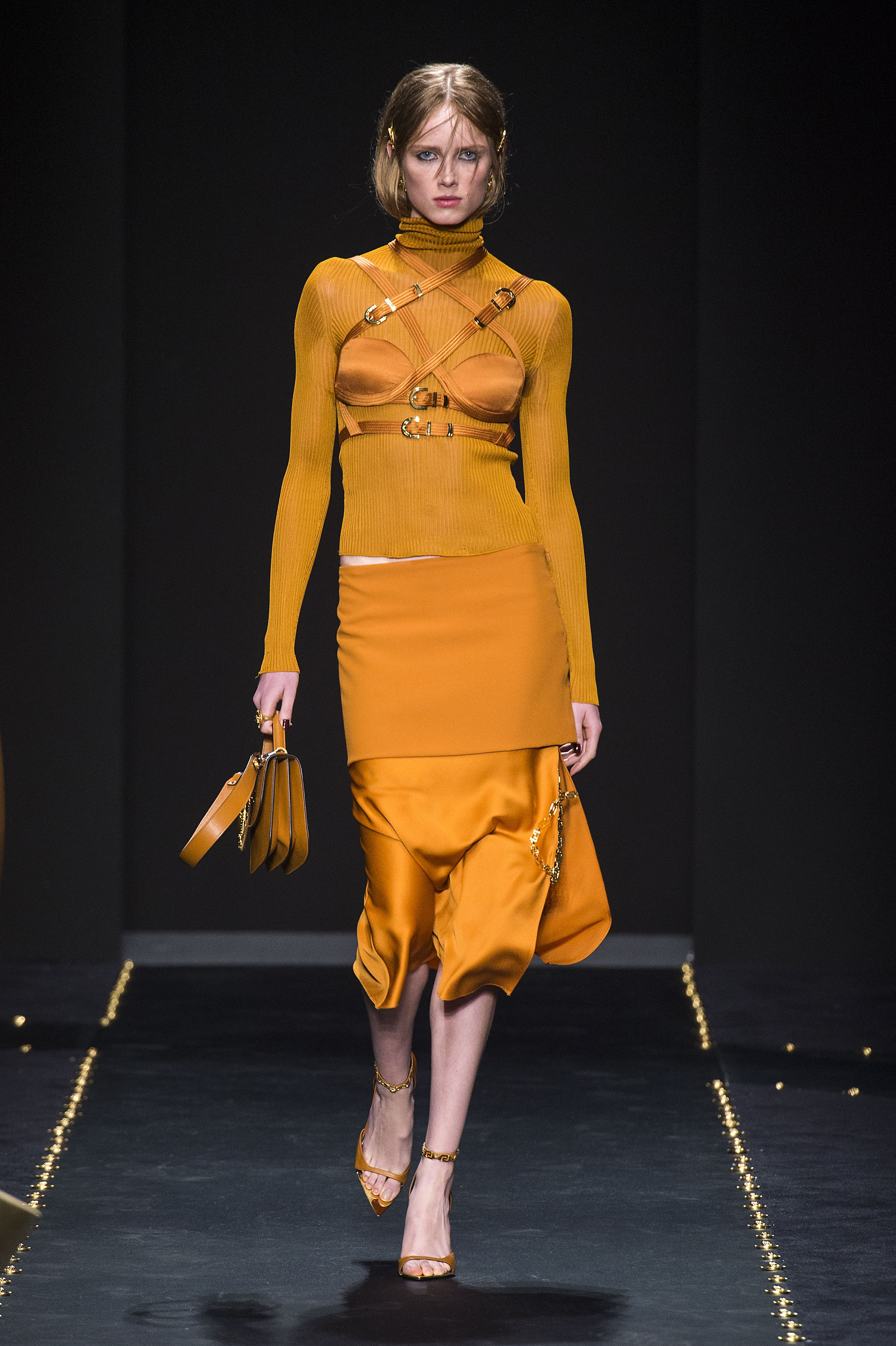 Versace Women FW19 | Trend 2019/2020 in 2019 | Colorful ...