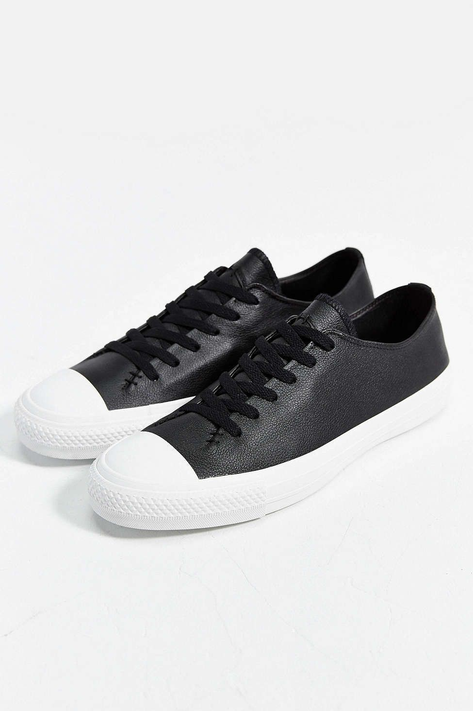 cd774aba44b9 Converse Chuck Taylor All Star Sawyer Leather Low-Top Sneaker ...