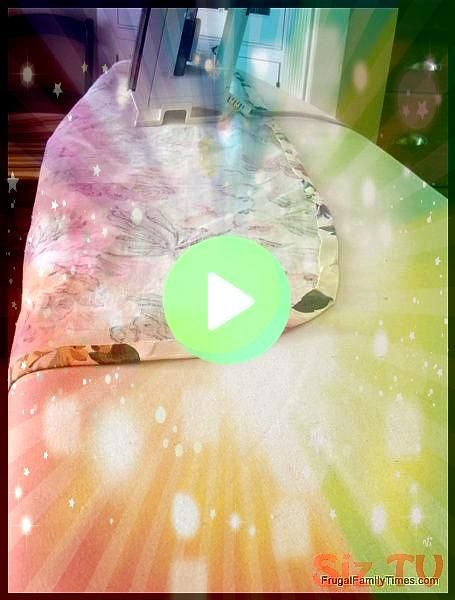 to make an easy ironing board cover A DIY tutorial This simple update is a great way to make your laundry room look pretty and make ironing leHow to make an easy ironing...