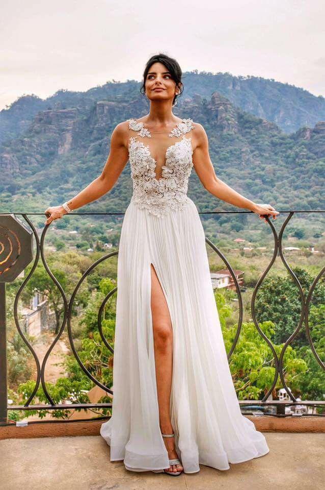 Pin By Montserrat Live On Ellas Gorgeous Wedding Dress Dresses Wedding Dresses