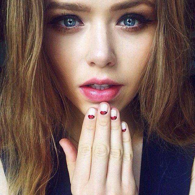 Kristina Bazan - natural makeup