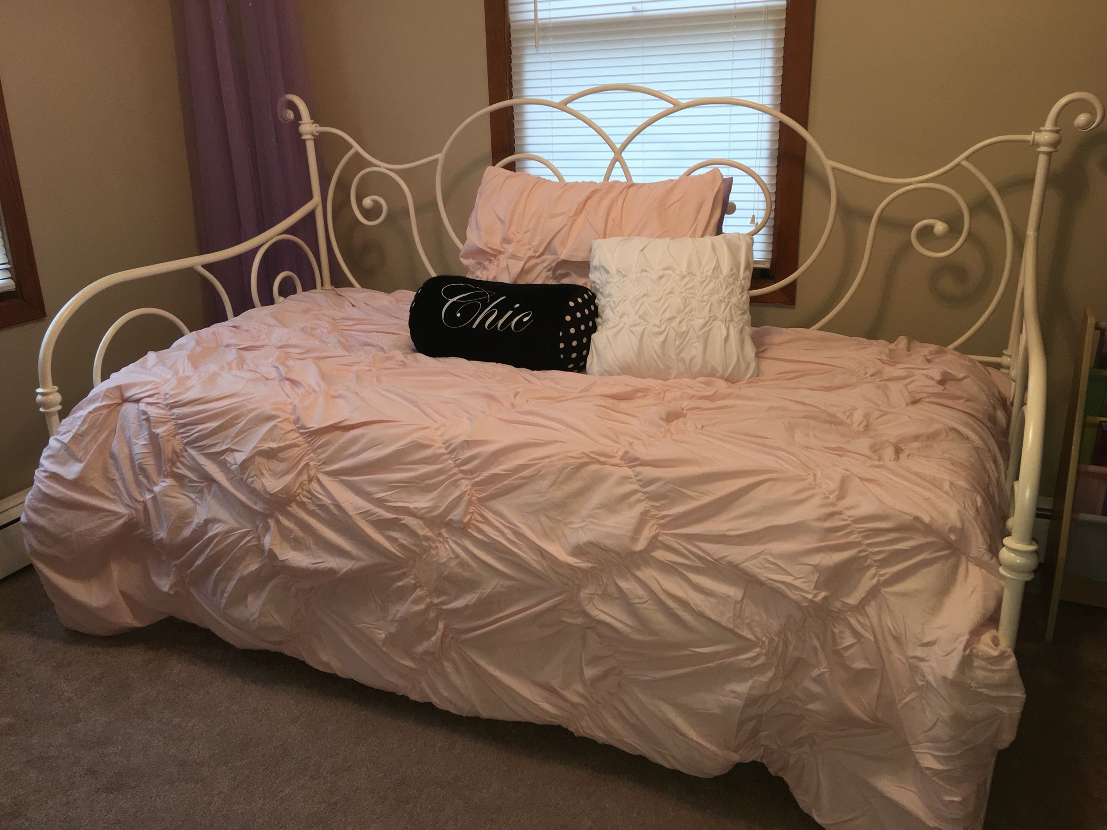 Daybed With Trundle And Light Pink Bedding Set From Target Includes Comforter Sham White Accent Pillow Flat Sheet Ed Case