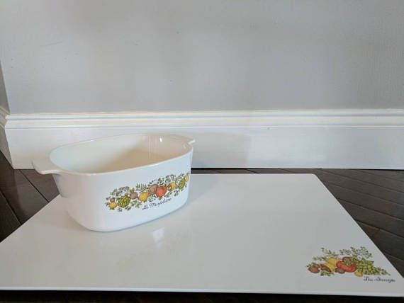 Check out this item in my Etsy shop https://www.etsy.com/listing/526019079/vintage-corningware-cassarole-dish-and