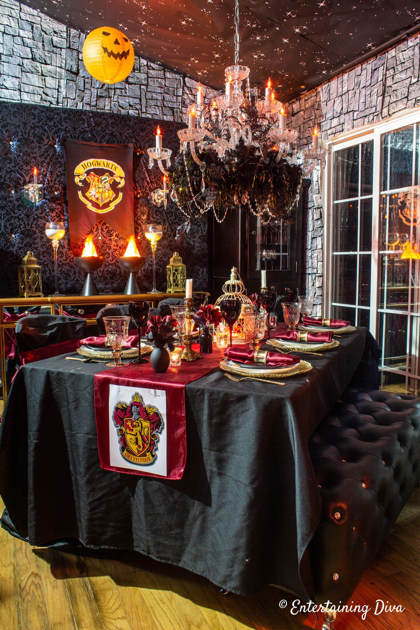 Harry Potter Table Decor Ideas Entertaining Diva From House To Home Harry Potter Table Harry Potter Halloween Party Harry Potter Party Decorations
