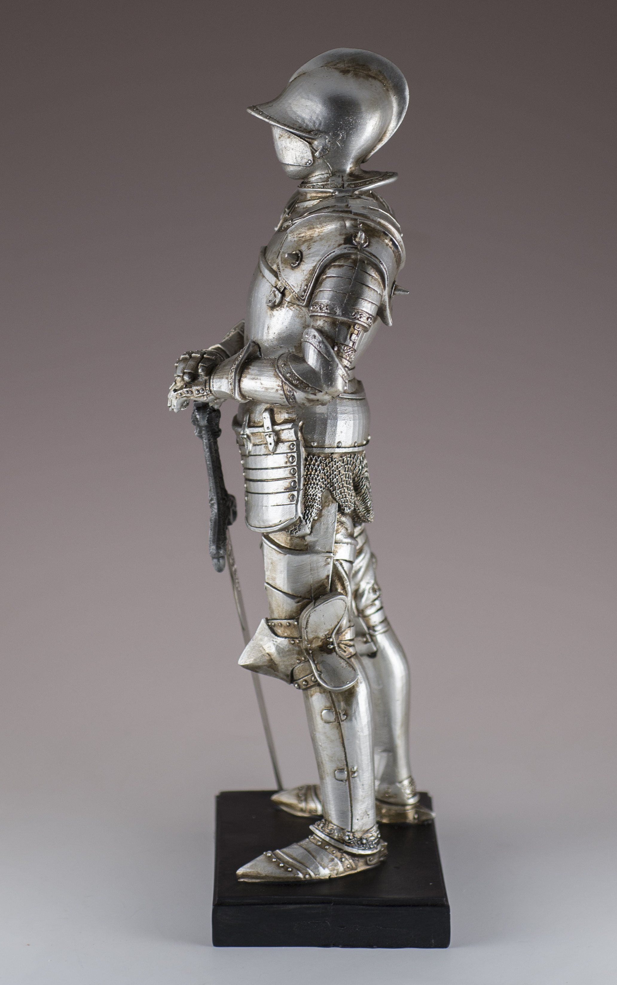 Medieval Knight In Silver Armor With Sword Figurine Statue Highly Detailed Resin Height 11 5 Inches Including Base Widt Medieval Armor Armor Drawing Armor