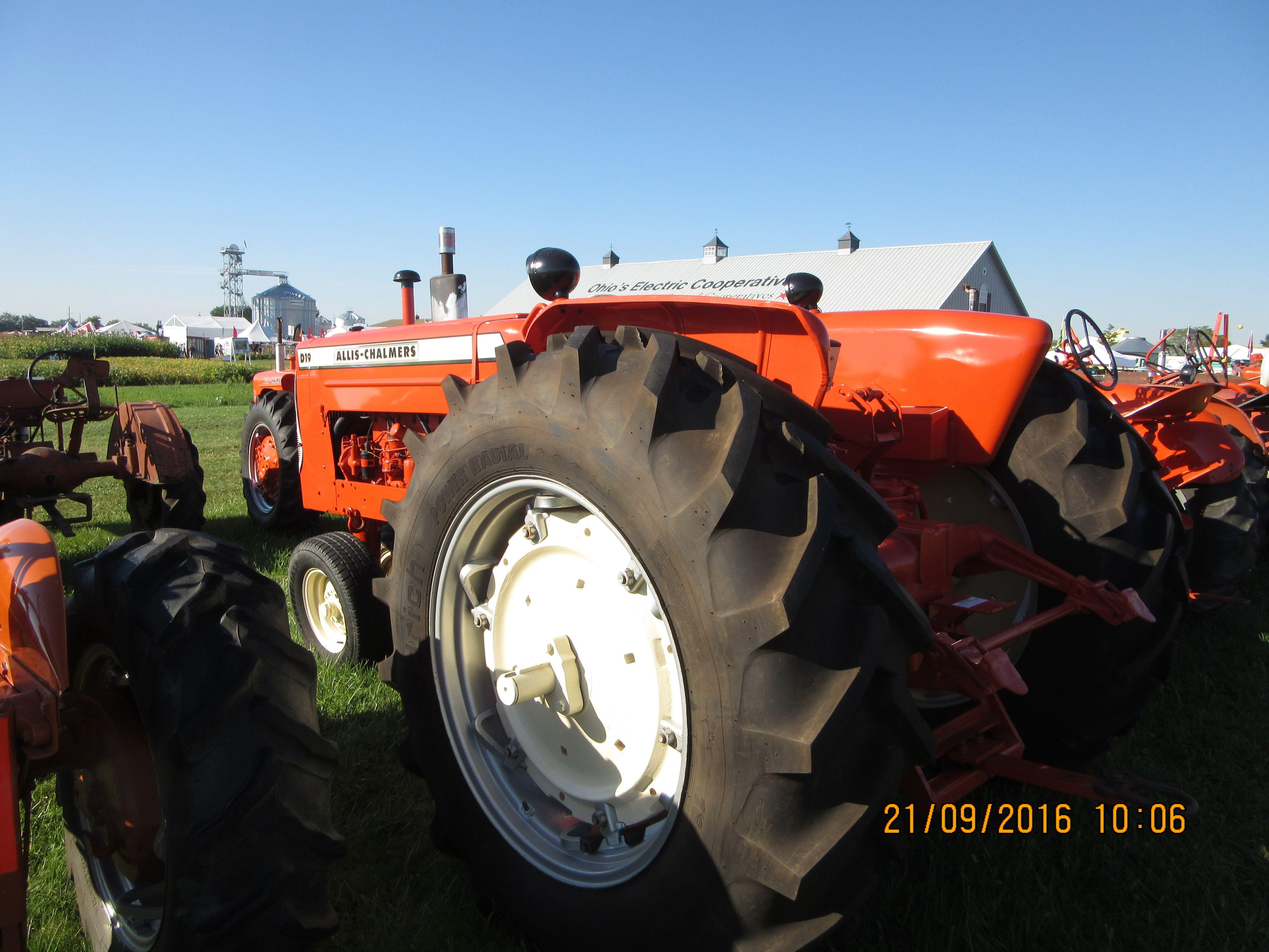 Rear of 66hp Allis Chalmers D19 Tractors