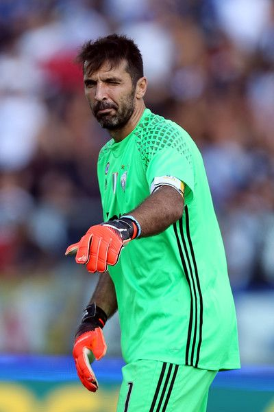 b906e6e71 Gianluigi Buffon of Juventus FC during the Serie A match between Empoli FC  and Juventus FC at Stadio Carlo Castellani on October 2, 2016 in Empoli,  Italy.