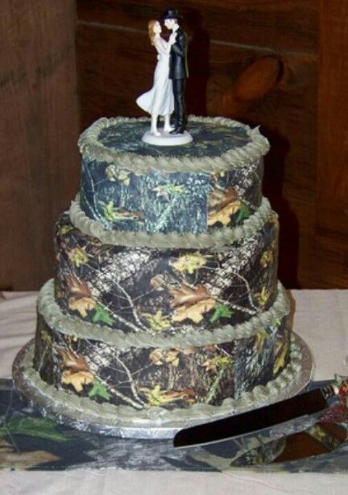 Redneck Wedding Cakes Just Makes Ya Drool Dont They This Camo Cake Might Take The I Gots Ta Get Me One A These