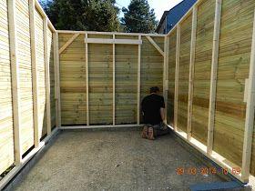 Construction d\'un abri de jardin en bardage bois autoclavé. Cet abri ...