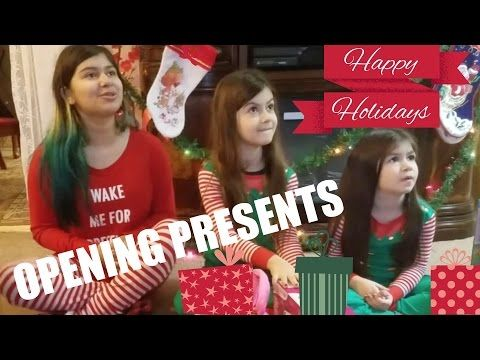 Kids opening CHRISTMAS presents 2015 (THE END!) - YouTube Anna