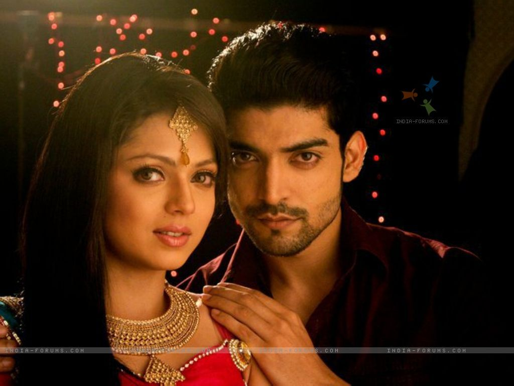 Gurmeet-chaudary-as-maan-and-drashti-dhami-as-geet