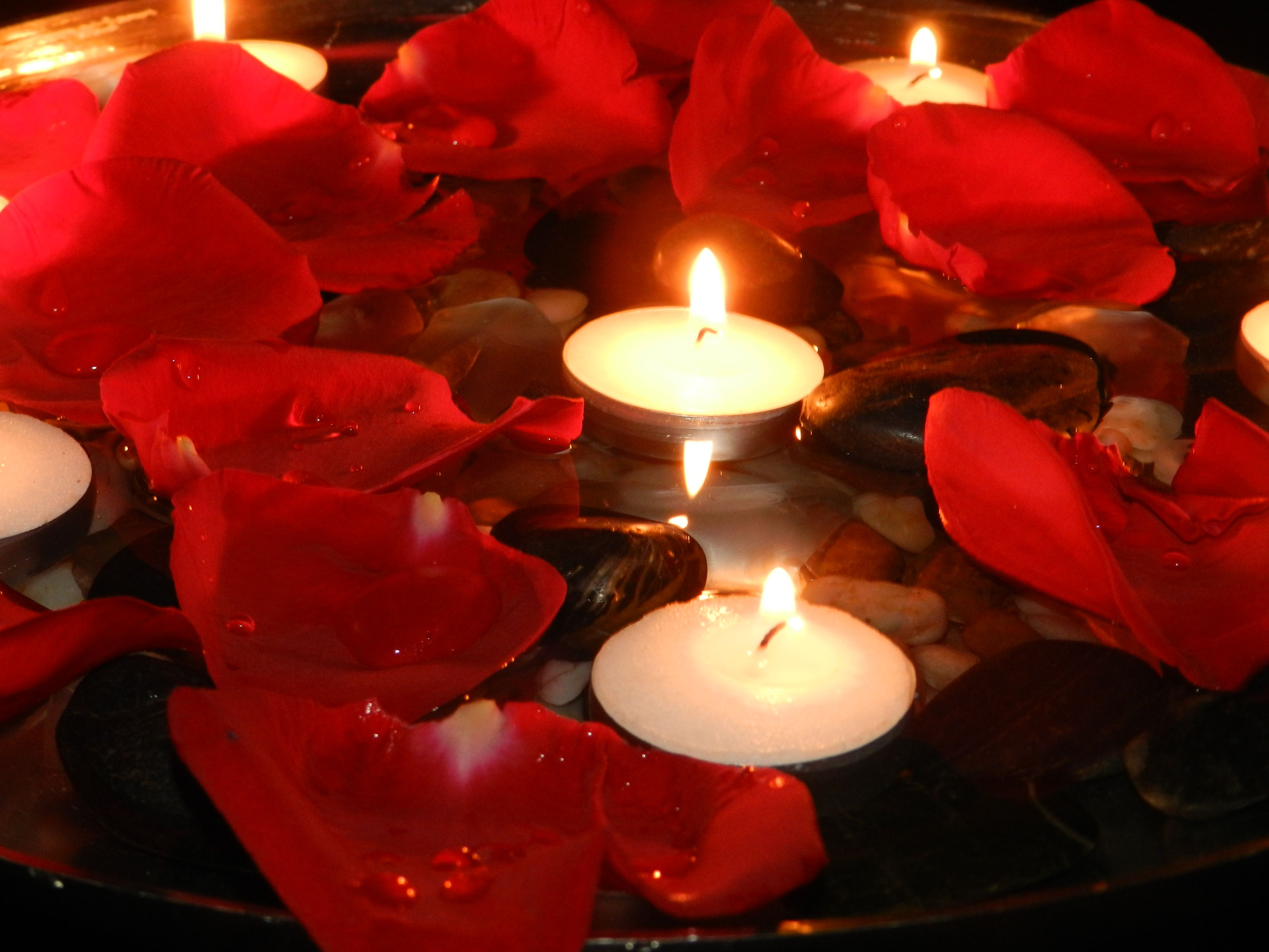 Pin By Ayat Murad On To File Candle Night Candles Wallpaper Rose Petal Candle