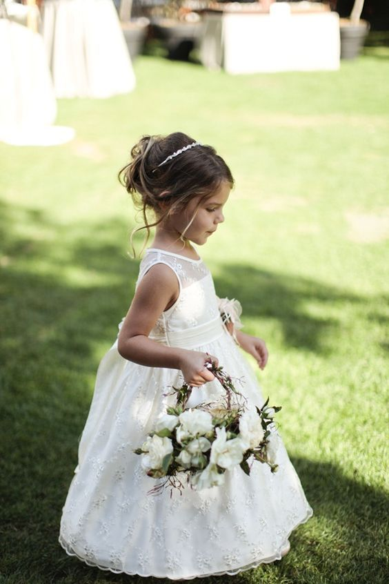 35 Flower Girls Basket Ideas to Sprinkle up Wedding Aisle | Frisur