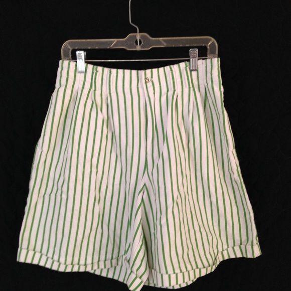 Lizsport green and white striped shorts Excellent condition Liz Claiborne Shorts Skorts