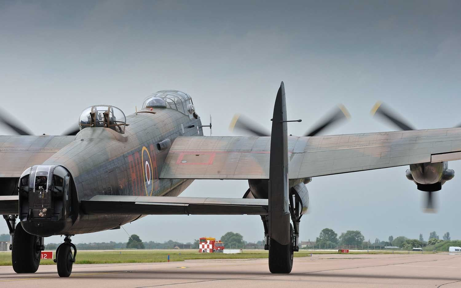 Pin by Donny Jones on Avro Lancaster Lancaster bomber