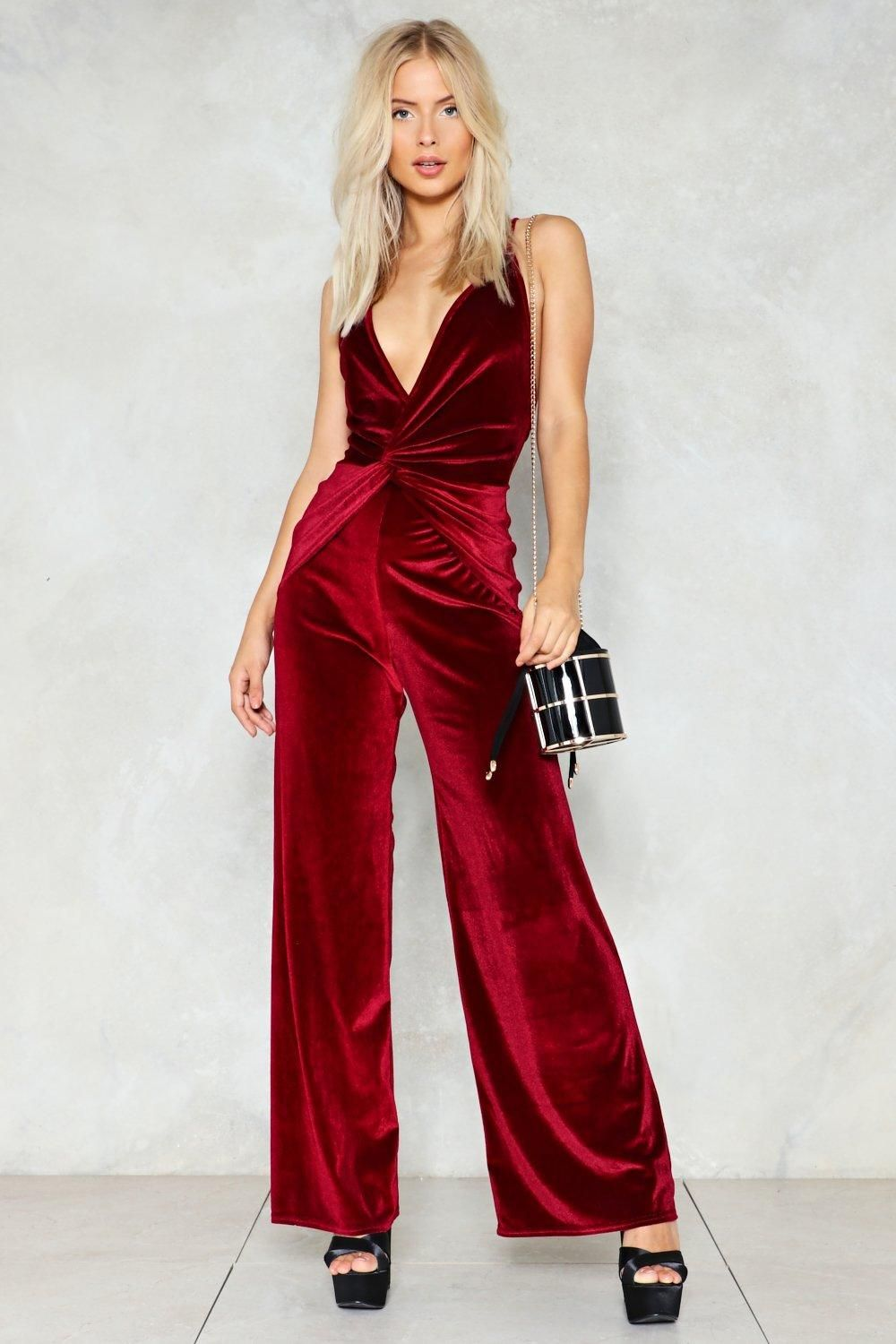 Queen of the night velvet jumpsuit wide legs neckline and silhouettes