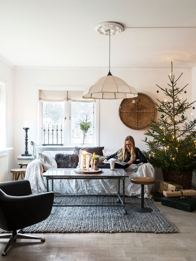 Hello There We Woke Up To Snow Yesterday And Today It S Sparkling In The Sun Such A Beautiful Sight But Living Room Scandinavian Christmas Home Dream Decor