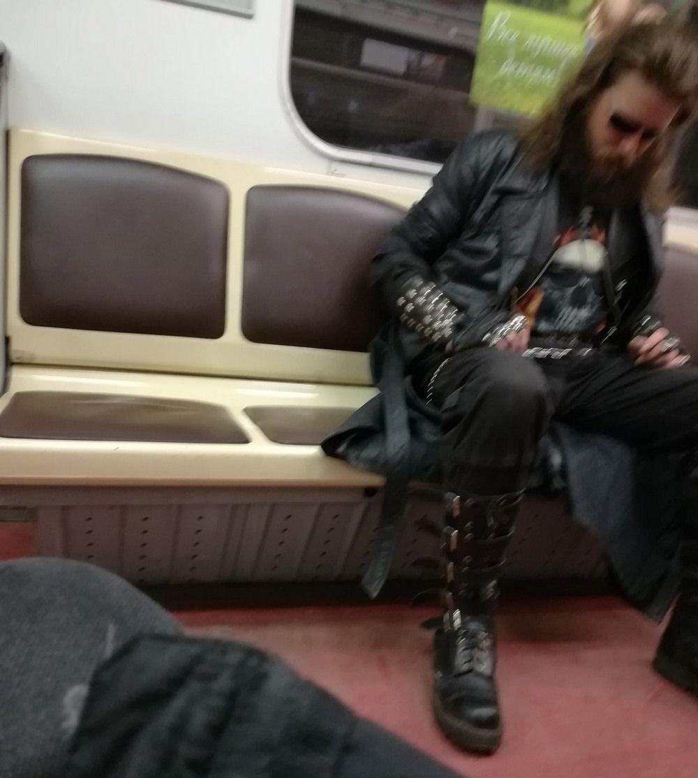 #прикольные картинки Забавные и сумасшедшие в метро.