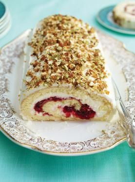 Cranberry, Raspberry, Mascarpone and Pistachio Yule Log | Ricardo