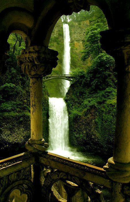 Double Waterfall, Oregon    photo via besttravelphotos