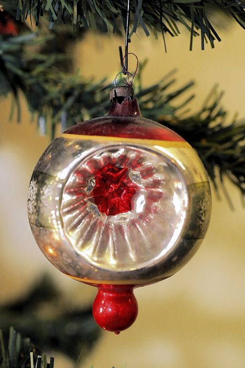 An Open Face Christmas Ornament From The 1950s Vintage Christmas Ornaments Vintage Ornaments Christmas Ornaments